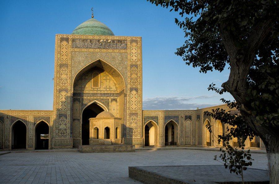 Cour intérieure de la Mosquée Poy Kalon
