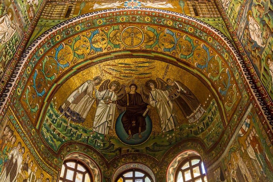 les mosaïques du plafond d dela Chapelle de San Vitale