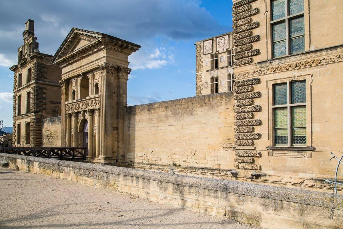 Du château renaissance il ne reste guère que cette façade sud