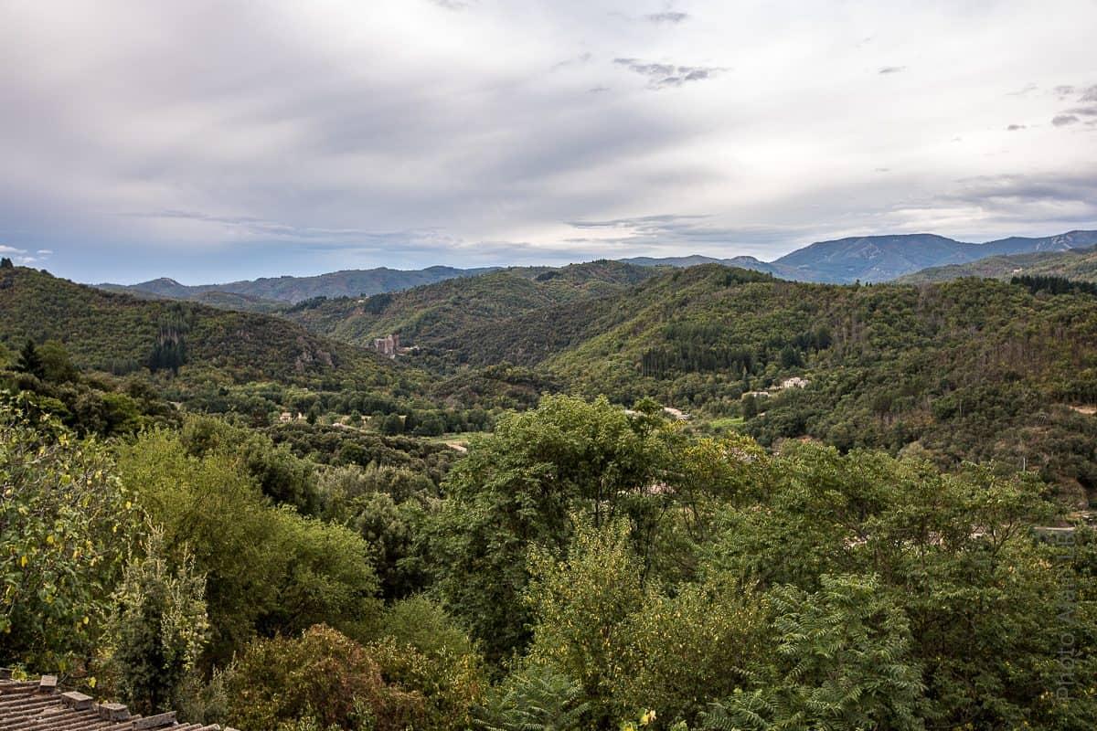 Depuis le hameau de Chirols, belle vue sur les massifs de Haute Ardèche